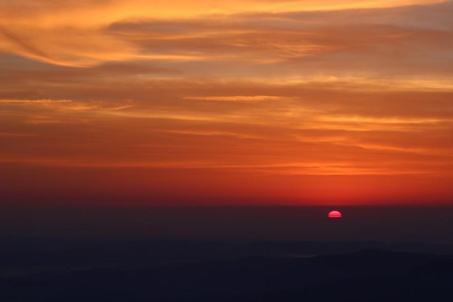 Východ slunce ze Sněžky