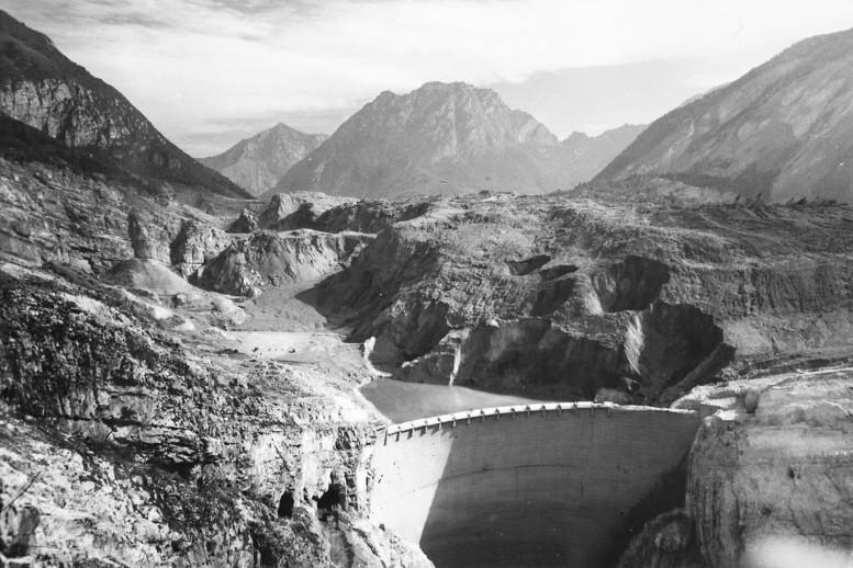 Vajont_Dam_landslide