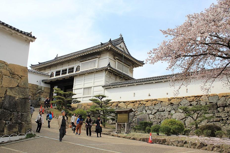 Vstupní brána do hradu Himedži