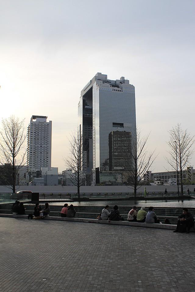 Prosklenný gigant Umeda Sky Building v Ósace
