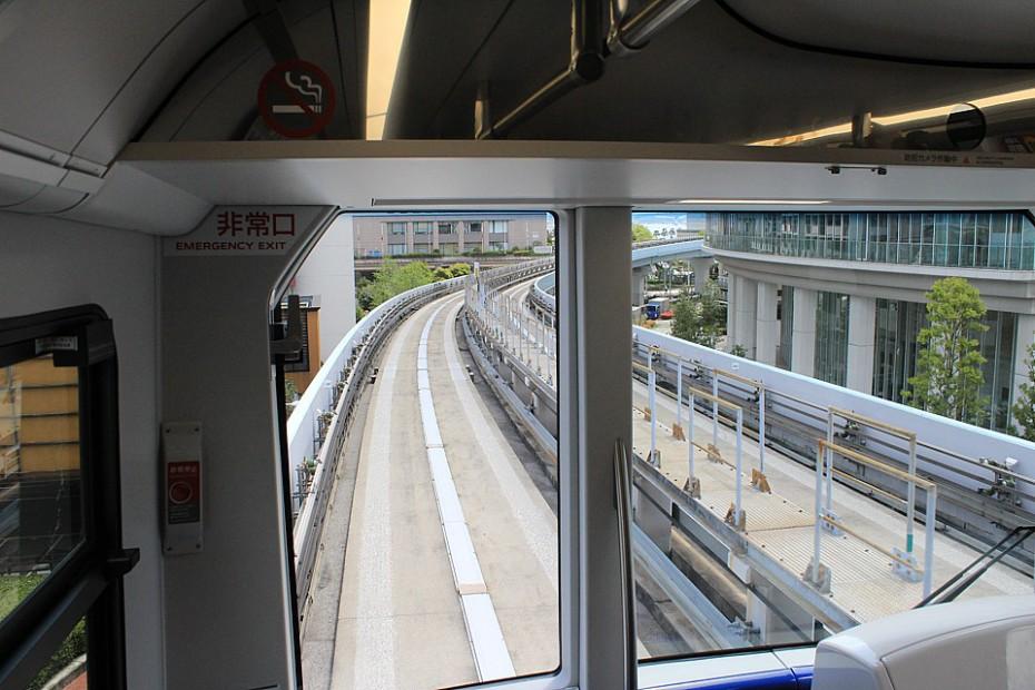 Pohled z kabiny monorailu